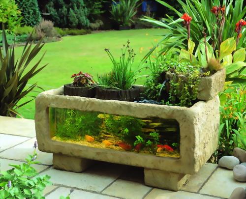 Decoração com Aquários no Jardim