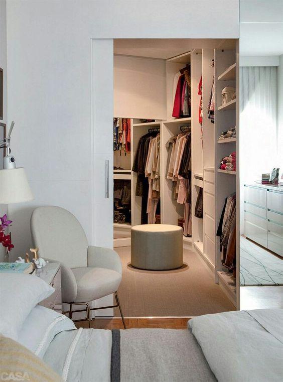 closet pequeno integrado quarto