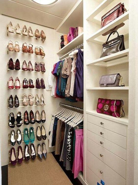 closet pequeno super organizado