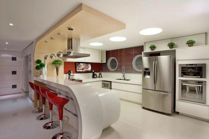 Cozinhas Vermelhas com bancadas
