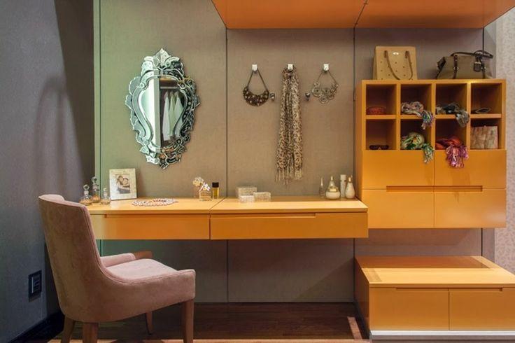 Espelho veneziano na penteadeira
